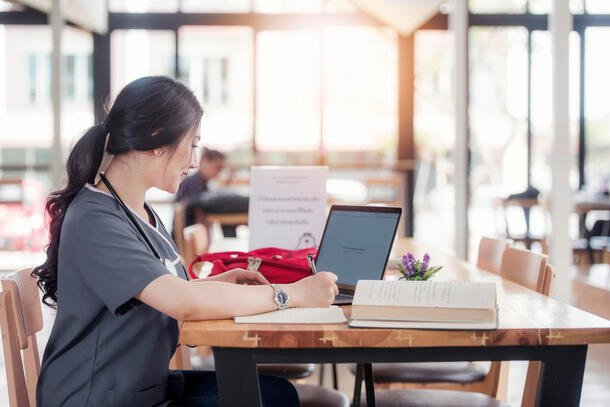 nurse studying for rn to bsn degree